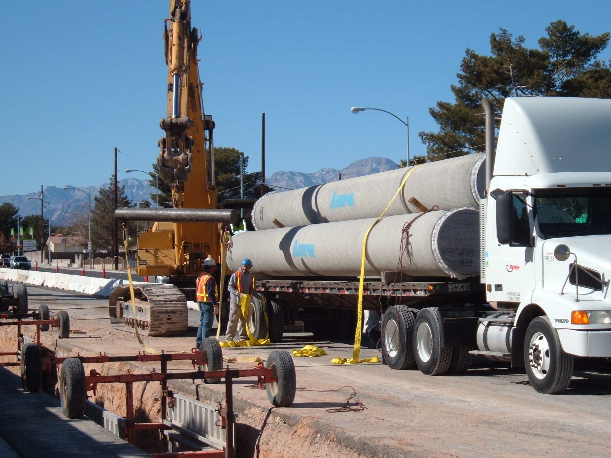 LVVWD crews install new pipeline.